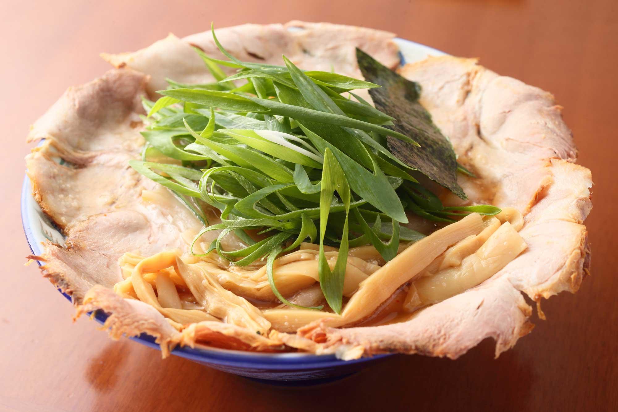 蔵出し醤油麺 チャーシュー麺